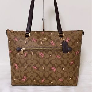 New💃Coach Gallery Tote Signature Canvas Butterfly